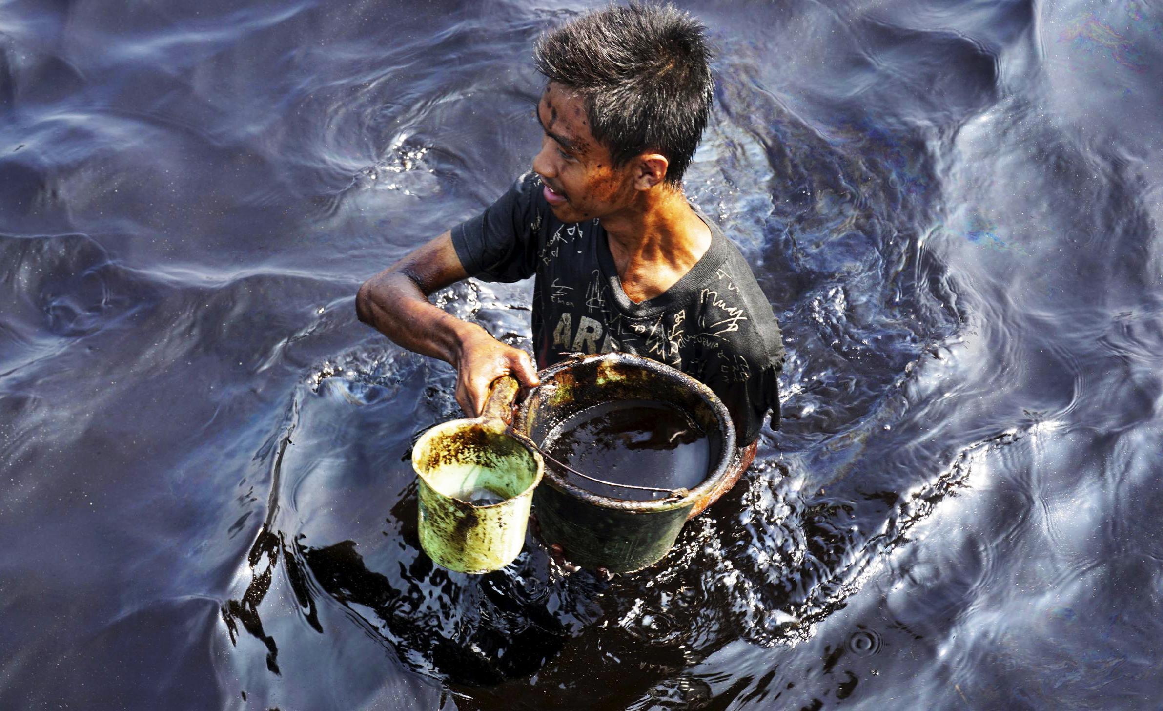 В Индии негде хранить нефть. Заняты даже водные танкеры