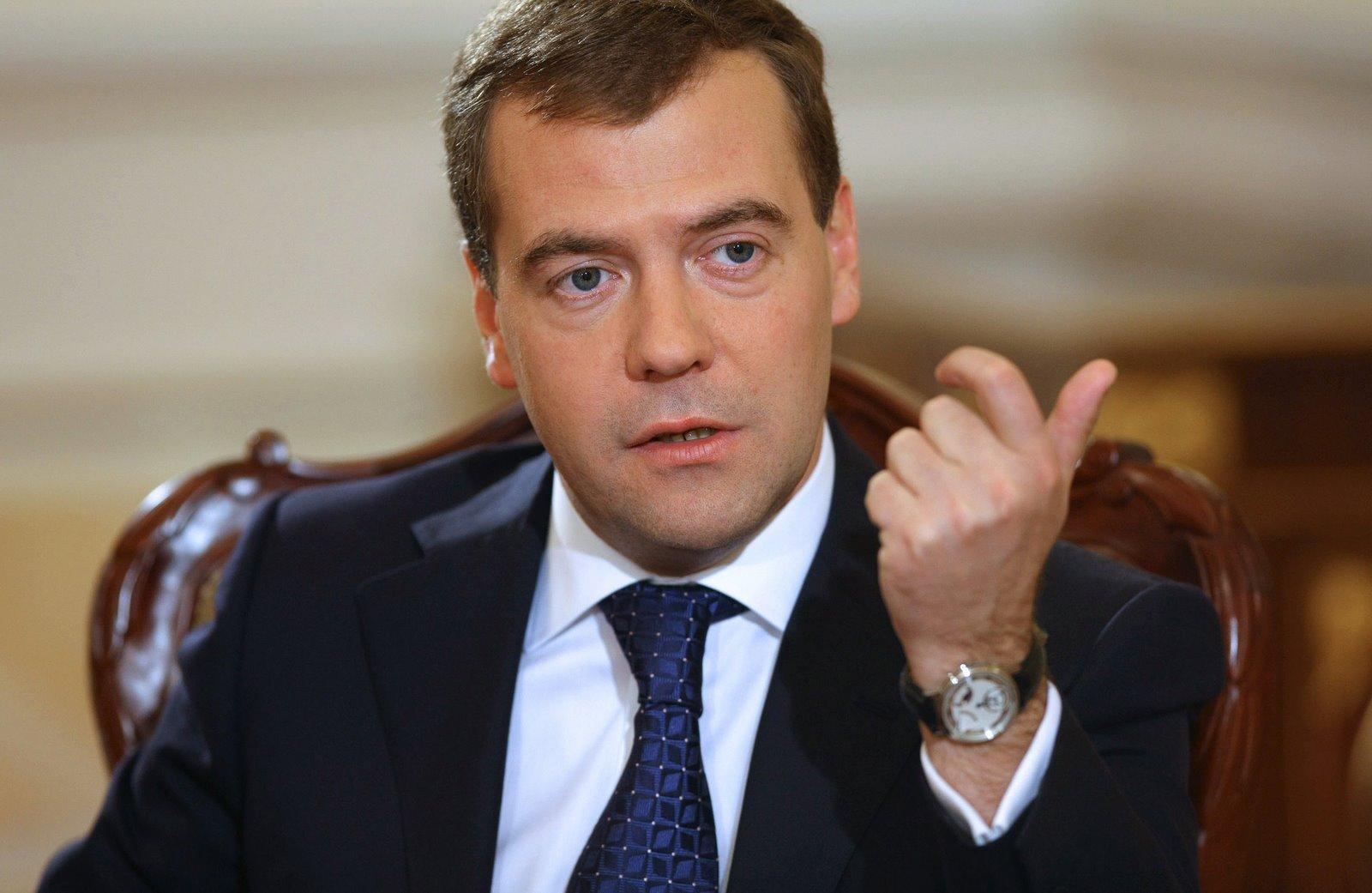 Вероятность кризиса за рубежом в 2021 году выше, чем в этом, считает Медведев
