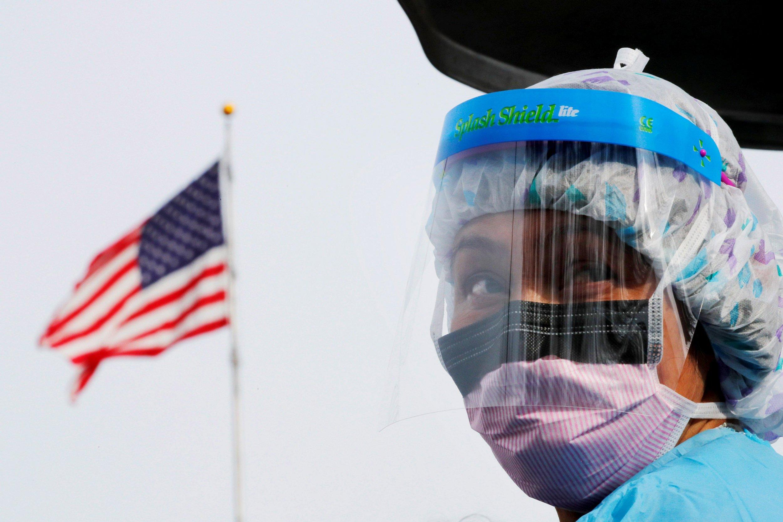 Число случаев заражения коронавирусом в США бьет рекорды