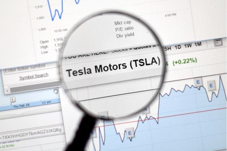 Акции Tesla впервые в истории выросли до $2000