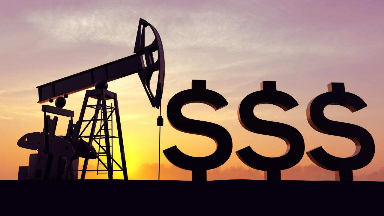 Нефть стала расти после падения до минимумов