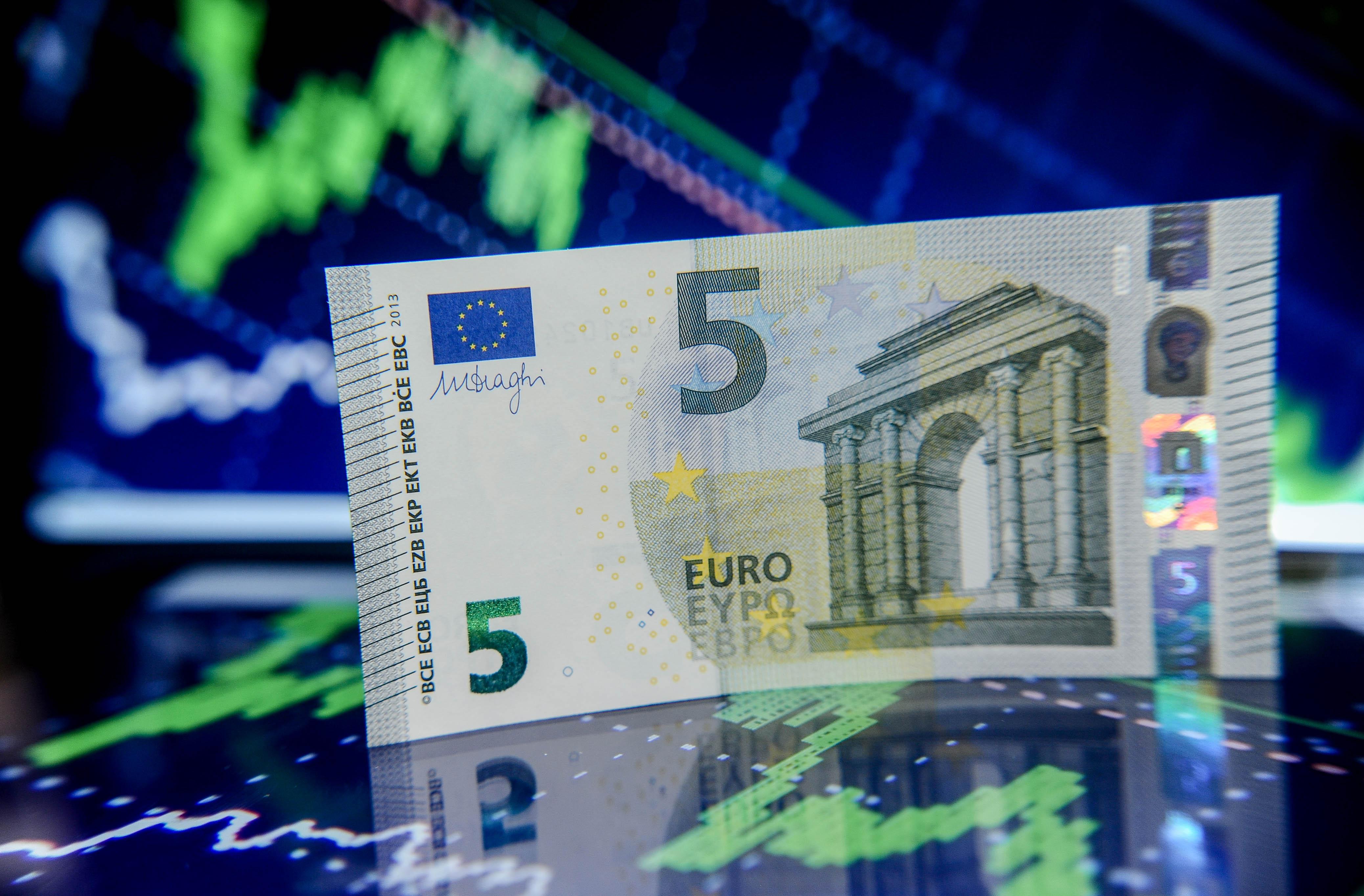 Евро перевалил за 90! Такого не было с 2016 года