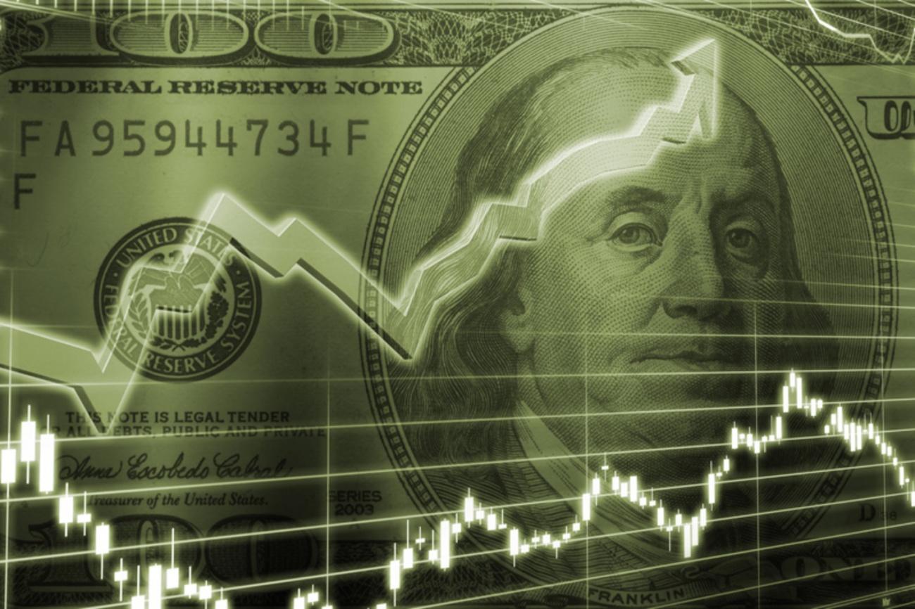 Доллар вырос выше 78 рублей впервые с апреля